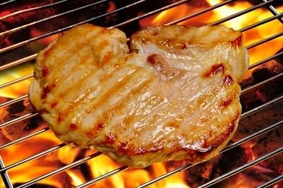nettoyer les grilles du barbecue  ammoniaque