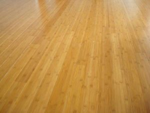 nettoyer un plancher en bambou