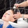 Comment nettoyer et adoucir vos cheveux avec de la bière