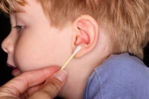 Comment nettoyer les oreilles d'un enfant