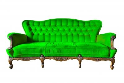 se débarrasser de l'odeur de tabac sur un canapé