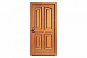 Comment nettoyer parfaitement les portes en bois